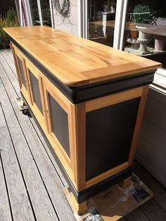 A cherry wood buffet revamped in black and wood - Patines & Couleurs - - Decor, Wood Buffet, Interior Decorating, Home Staging, Refurbished Coffee Tables, Renovation Architecture, Home Decor, Cheap Renovations, Furniture Makeover