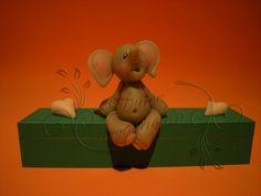 elefantito by Dulce decoración (modelado - tartas decoradas), via Flickr