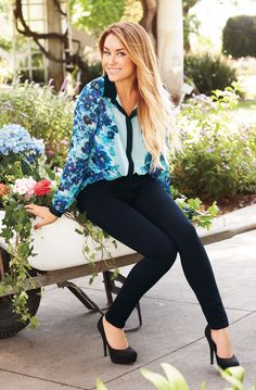 Black and blue and stylish all over in a floaty, floral top with a black pant. #LaurenConrad #newarrivals #Kohls #LCKohlsFav