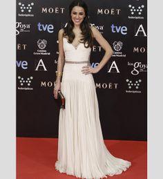 Macarena García com um vestido de Roberto Cavalli Couture. #casamento #vestidodenoiva #vestidosbrancos #Goya2014