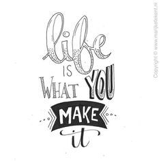 Handlettering: life is what you make it Handwritten Quotes, Hand Lettering Quotes, Doodle Lettering, Calligraphy Quotes, Creative Lettering, Calligraphy Letters, Brush Lettering, Typography, Calligraphy Handwriting