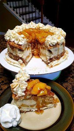 Peach Cobbler Cheesecake Recipe, Cheesecake Recipes, Cheesecake Factory Original Cheesecake Recipe, Cheesecake Toppings, Cheesecake Pudding, Cobbler Recipe, Cheesecake Bites, Just Desserts, Delicious Desserts