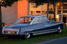 Citroen DS hard top  Plus de découvertes sur Le Blog des Tendances.fr #tendance #voiture #bateau #blogueur