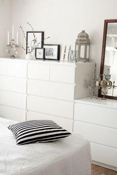 ein schlafzimmer mit oppland bettgestell in eichenfurnier/grau ... - Kommode Schlafzimmer Grau