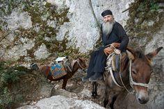 Monk on Mount Athos, Greece ** Zorba The Greek, Myconos, Christian World, Minoan, Greece Islands, Prayer Book, Faith In God, Greece Travel, Our Lady