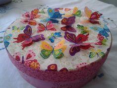 Caixa em mdf forrada com tecido, detalhes de borboletas em 3d Shabby, 3d, Cake, Vintage, Desserts, Handmade, Decorated Boxes, Butterflies, Tejidos