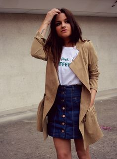 Spring outfit: high waist denim skirt, basic white T-shirt and suede trench. #fashion #outfit