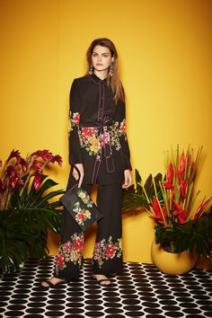 Dark Blooms pre-fall 2017 trends