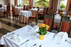 Przejście na taras jest również z klimatyzowanej sali restauracyjnej.