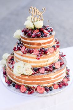 vintage christmas Naked Cake Hochzeitstorte, Hochzeitstorte Naked Cake, Vintage Hochzeitstorte wedding cakes cakes elegant cakes rustic cakes simple cakes unique cakes with flowers Diy Wedding Bouquet, Fall Wedding Cakes, Wedding Cakes With Cupcakes, Wedding Blog, Wedding Dj, Wedding Dresses, Wedding Photos, Wedding Ideas, Simple Elegant Wedding