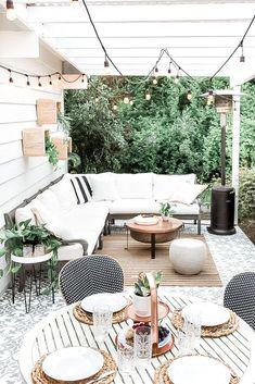 Design Patio, Backyard Patio Designs, Backyard Ideas, Modern Patio Design, Villa Patio Ideas, Narrow Patio Ideas, Backyard Decorations, Back Garden Design, Backyard Parties