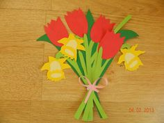 Narcise, lalele si ghiocei din hartie Origami, Diy And Crafts, Fruit, Spring, Cos, Origami Art, Class Of Service