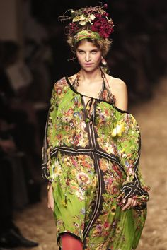 Jean Paul Gaultier 2006. #floral headpiece with floral patterned dress. Earth inspired and yet mystical looking, all at once.