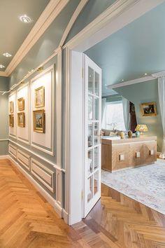 Eingang vom Flur zum Wohnzimmer.     From entrance hall to livingroom    Foto: Viktoria Stutz