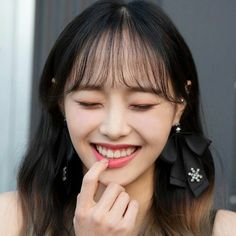 South Korean Girls, Korean Girl Groups, My Girl, Cool Girl, Chuu Loona, Olivia Hye, I Love Girls, Pick One, Pop Group