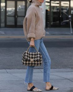 Camel knit sweater+straight-leg jeans+snake-print flats+black and camel houndstooth-print handbag+sunglasses. Fall Casual Date/ Weekday Outfit 2019 Mode Outfits, Fall Outfits, Casual Outfits, Fashion Outfits, Womens Fashion, Fashion Fashion, Looks Street Style, Looks Style, My Style