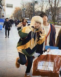 """""""Jimin 🥺🥺🥺🥺😭😭😭 Get into my pocket. -BTS 2020 Winter Package in Helsinki-"""" Seokjin, Kim Namjoon, Hoseok, Jhope, Bts Bangtan Boy, Bts Jimin, Taehyung, Park Ji Min, Jikook"""