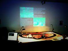 """e-peel me off 2010-11, installation interactive avec robots, partage de l'écran pour montrer le flux des tweets contenant le mot """"hate"""" ou le mot """"love"""" listés en temps réel, c.brandon Installation Interactive, Les Oeuvres, Tv, Television Set, Television"""