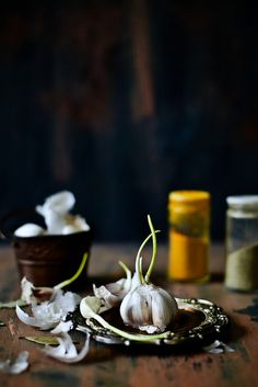 Raw Garlic / Playful Cooking