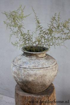 sobere oude doorleefde kruik l stoer robuust landelijke pot no 449 3