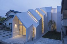 Asahicho Clinic; Chiba, Chiba Prefecture, Japan - hkl studio