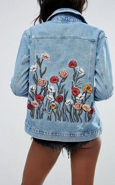 #summer #outfits Floral Denim Jacket + Black Denim Short // Shop this exact outfit in the link
