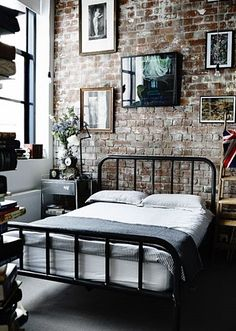 Trying to find ideas for industrial bedroom decor, one of them is white industrial bedroom. CHECK THIS 25 Most Popular Industrial Bedroom You Should Try Vintage Industrial Decor, Industrial House, Industrial Apartment, Industrial Furniture, Urban Industrial, Industrial Design, Industrial Interiors, Kitchen Industrial, Industrial Lamps