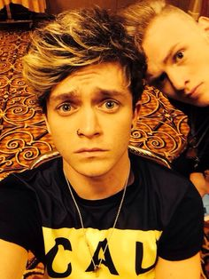 Connor Ball & Tristan Evans❤️❤️❤️❤️ con looks so cute in that picture xx