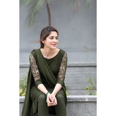 Women S Fashion Dresses Online Refferal: 7499476550 Simple Kurta Designs, Kurta Designs Women, Stylish Dresses, Casual Dresses, Fashion Dresses, Girls Dresses, Pakistani Dress Design, Pakistani Dresses, Dress Neck Designs