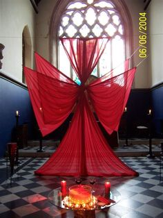 How cute to make different shapes with flags at the slow beginning of a song? angel  pentecost