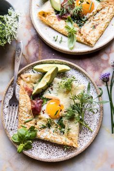 Cheesy Baked Egg Crepes with Spring Herbs and Avocado - Brunch Recipes Breakfast And Brunch, Breakfast Recipes, Avocado Breakfast, Healthy Breakfast Menu, Brunch Cafe, Breakfast Quesadilla, Healthy Brunch, Mexican Breakfast, Breakfast Sandwiches