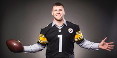 With the Pittsburgh Steelers headed into post-season play, Steel City Underground will be looking back at the 2017 Draft Class and how the picks Pittsburgh made had an effect on their season and future with our Rookie Report Card series. Embed from Getty Images A Quick Look Back It was May. Spring was in full …