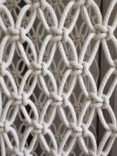 Macrame Wall Hanging Patterns, Weaving Wall Hanging, Macrame Patterns, Hanging Chair, Macrame Design, Macrame Art, Macrame Projects, Room Deviders, Knitting Room