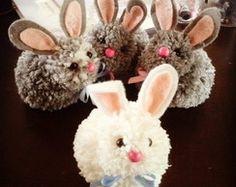 Conejos de pompones de lana
