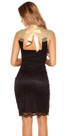 ELEGÁNS FEKET KOKTÉL RUHA CSIPKÉVEL Formal Dresses, Fashion, Dresses For Formal, Moda, Formal Gowns, Fashion Styles, Formal Dress, Gowns, Fashion Illustrations