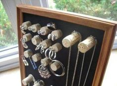 Turn wine corks into jewelry holders!     unconsumption:    DIY project du jour:  Turn wine corks and an old frame into a display/storage piece for jewelry or other items.  For the simple how-to / tutorial, see this Crafts For All Seasons blog post here.   Find more wine-related repurposing here.