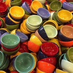 Festive Summer Table Settings. #bowls #decor