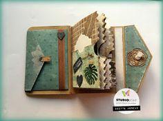 Diy Mini Album, Mini Albums, Tutorial Scrapbook, Card Making Designs, Card Book, Butterfly Kisses, Scrapbook Journal, Snail Mail, Bookbinding