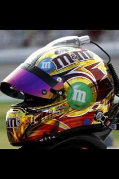 car M helmet nascar Custom Motorcycle Helmets, Custom Helmets, Racing Helmets, Football Helmets, Sports Car Racing, Nascar Racing, Kyle Bush, Kyle Busch Nascar, M&m Characters