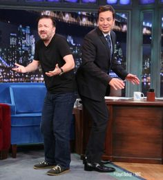 Jimmy and Ricky Gervais try to twerk veeery silently.