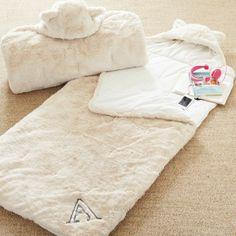 Faux fur sleeping bags  http://rstyle.me/n/djy5hnyg6