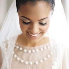 Inspiração de maquiagem natural para pele morena. Lindo, romântico e discreto, para noivas tradicionais.  Inspiración de maquillaje natural para piel morena. Lindo, romántico y discreto, para novias tradicionales.  #casarcasar #noiva #novia #bride