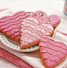 """Nancy Baggett's Kitchenlane: Dye-Free Decorated Heart Cookies--The Sweetest Way to Say """"I Love You! Rolled Sugar Cookie Recipe, Easy Sugar Cookies, Iced Cookies, Sugar Cookies Recipe, Cookie Recipes, Cookie Icing, Crisco Recipes, Frosted Cookies, Cookie Desserts"""