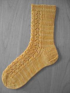 "Fox faces socks, free pattern / Sock Weight Yarn / 30 st = 4"" in Stockinette on US needle 1"