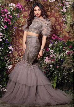 Tamannaah Bhatia Looks Enchanting In Peacock Magazine's Cover - Tikli Party Wear Indian Dresses, Designer Party Wear Dresses, Indian Gowns Dresses, Indian Bridal Outfits, Dress Indian Style, Indian Fashion Dresses, Indian Designer Outfits, Party Dress, Designer Wear