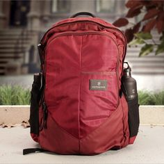 Victorinox Altmont 3.0 Deluxe Laptop Backpack 17 Zoll Red