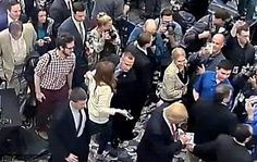 WASHINGTON (Reuters) - El jefe de campaña del aspirante presidencial republicano estadounidense Donald Trump fue arrestado el martes en Florida y acusado de agresión simple, según documentos policiales. El reporte del Departamento de Policía de Jupiter indicó que se presentaron cargos contra Corey Lewandowski