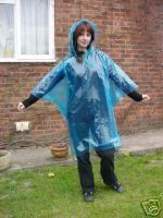 4 BLUE WATERPROOF DISPOSABLE PONCHOS MACS FOR OUTDOOR EVENTS - http://www.cheaptohome.co.uk/4-blue-waterproof-disposable-ponchos-macs-for-outdoor-events/