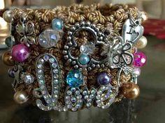 brazaletes tejidos dijes fabricantes mayoreo 5.0 cm ancho Crafty Craft, Jewlery, Charmed, Glamour, Beads, Crochet, Bracelets, Crafts, Fashion