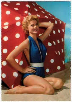 Alluring vintage pinup summertime style and beauty. #vintage #beach #summer #pinup #1950s #polka_dots #umbrella